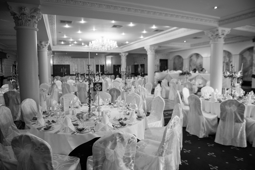Tullyglass wedding photography - Laura & Andrew 092.jpg