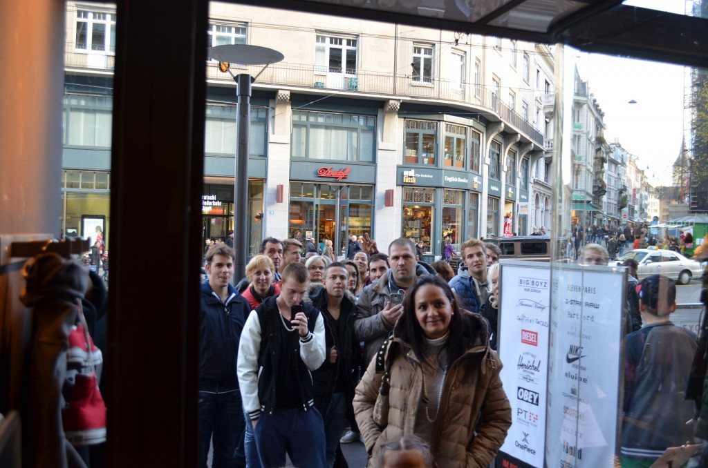 run-zrh-x-big-boyz-zurich-release-crowd