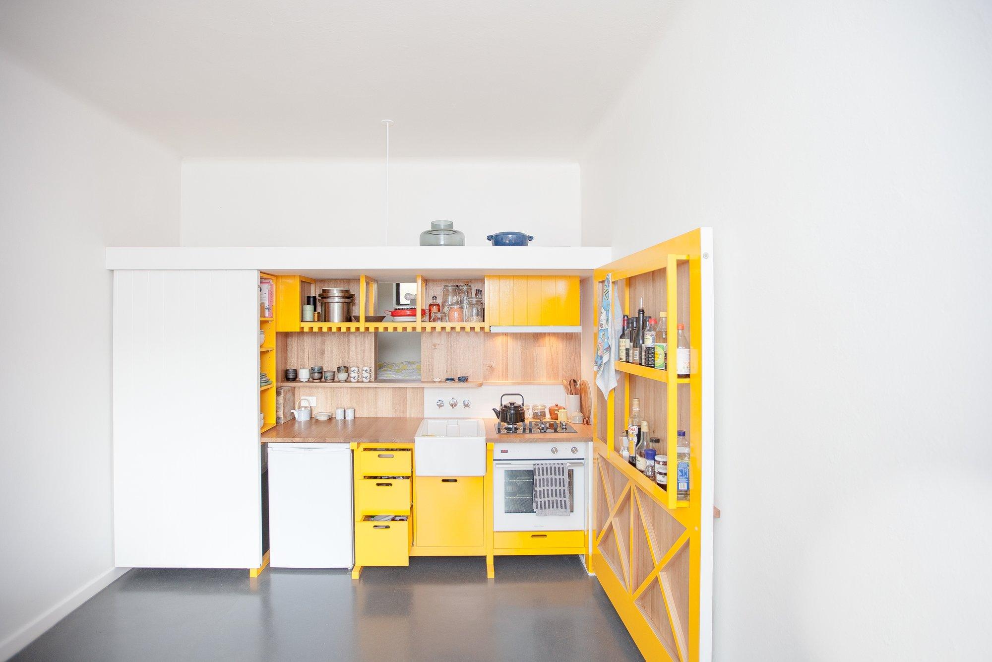 KitchenLivingDE_gestalten_book_wohnliche_kuchen_design_interior_mood2_1e823355-f861-43d3-ab46-76f4f36aeb94_2000x.jpg