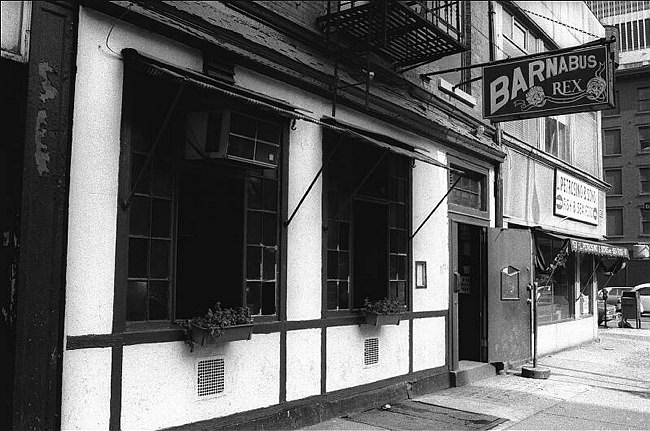 Barneys bar on Duane, Tribeca, 1977. I'm looking for the photo credit...