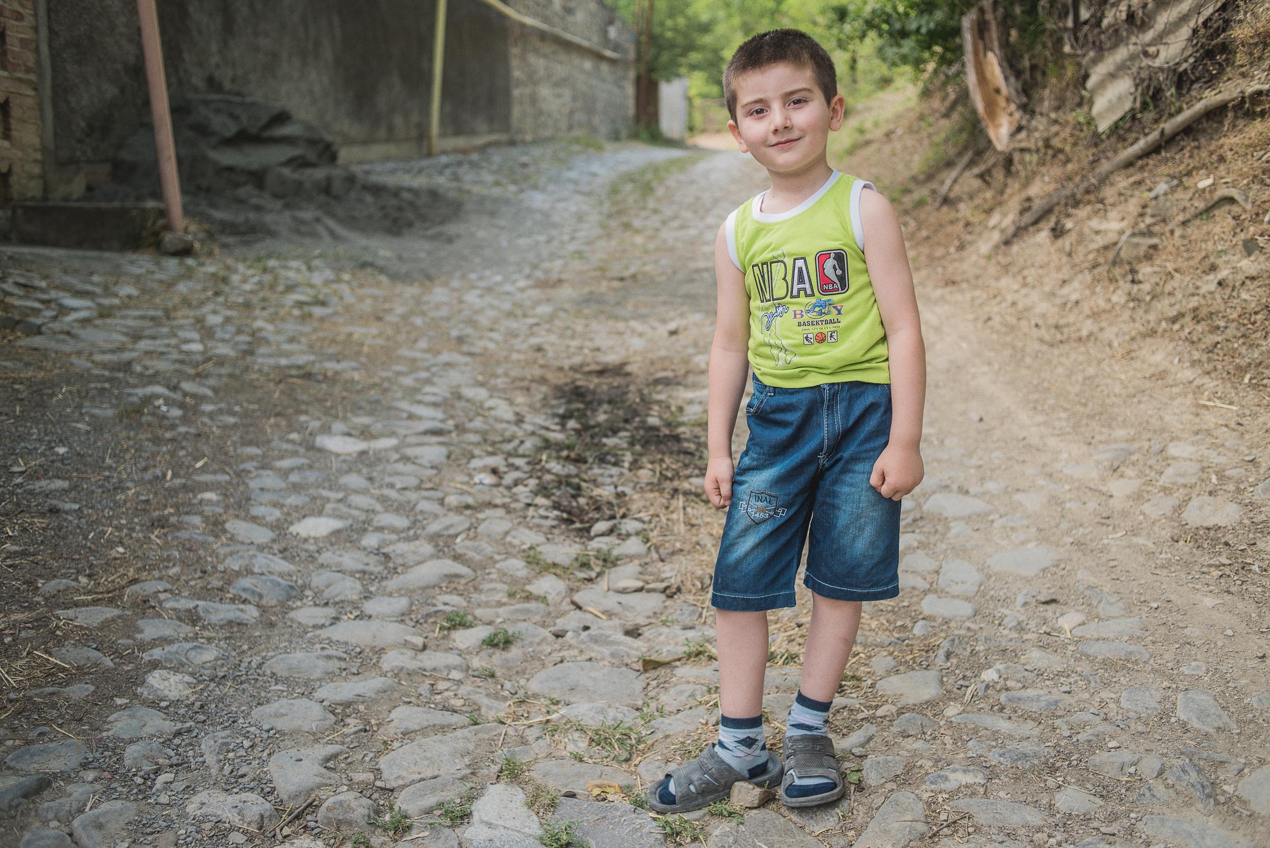 Caucasus KIds 2560-4.jpg