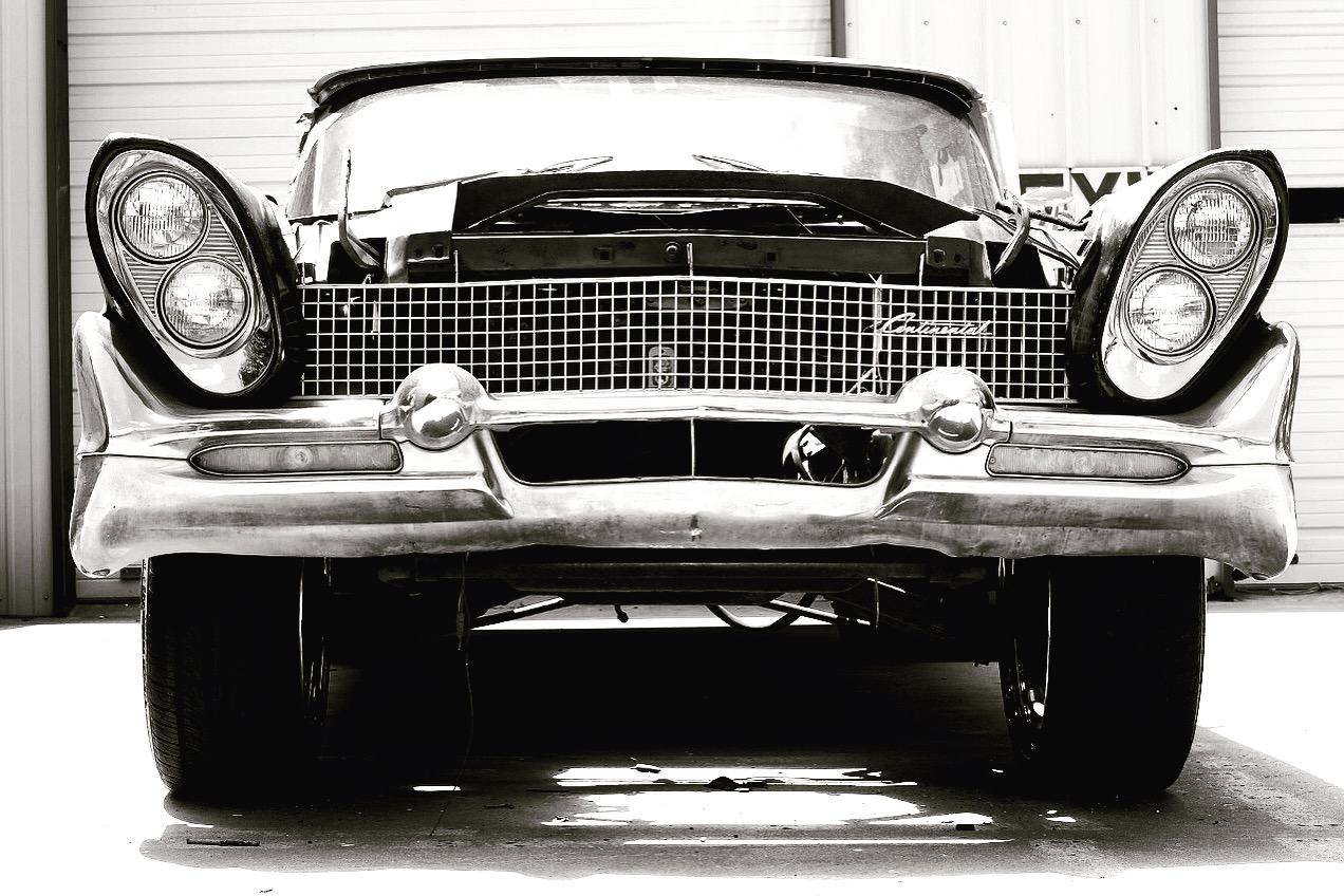 This jewel was discovered at an auto body shop in Chandler, OK along Route 66.