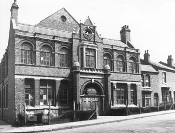 """""""Congregational Church"""" 1973 formaly known as the """"The Institute""""    Front   of the Church i  n Lodge Road with one side in Lees Street."""