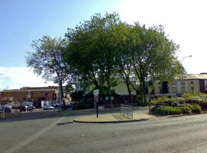 A more distant view of Icknield Sqaure, this time showing the row of properties on the right of Carver Street, with Warstone Lane on the left, and Carver Street between the row of properties and the red brick building. Note the dual carriageway that is nowadays Icknield Street. The number 8 bus still plies this route, but from memory they call it the 8c (C presumably stands for circle? i.e Inner Circle bus route. Other bus bores like me will no doubt know that the 11c is the Outer Circle, but I wonder how many remember the (rush hour only) City Circle? It was route number 19, like so
