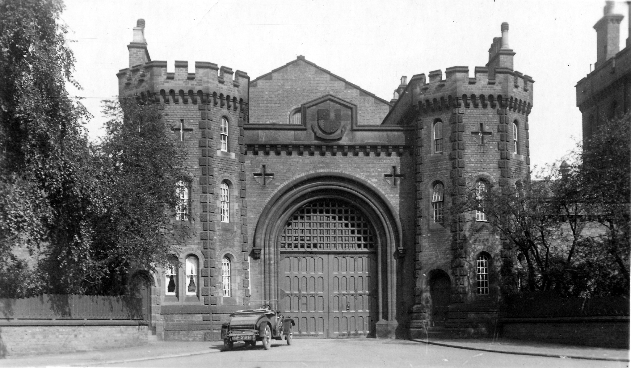 photo1 400dpi Prison Winson Green Road.jpg