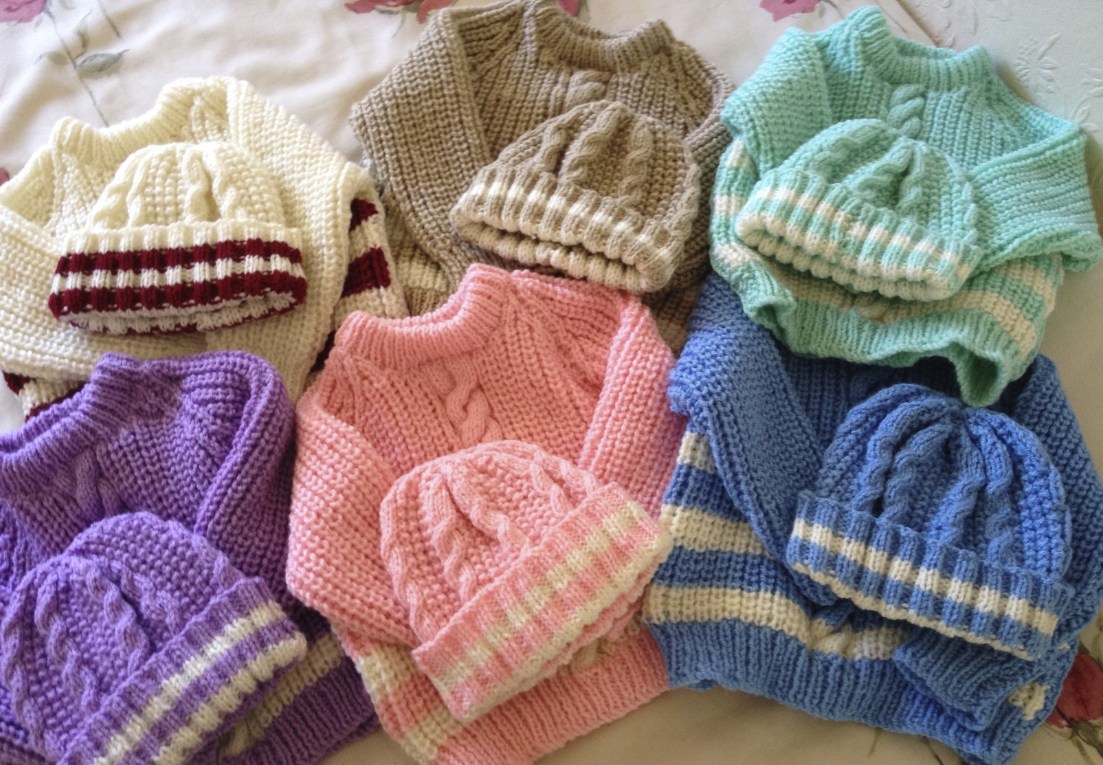 JUMPER AND HAT SETS .jpg