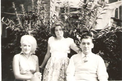 1950 BETTY-----with Betty's niece JOY and Betty's brother Raymond.