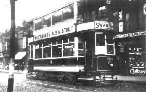 A tram 189 on route 29 junction Dudley Road and Winson Street date1950's ???  Many Thanks to Alan Elliott for the Photo