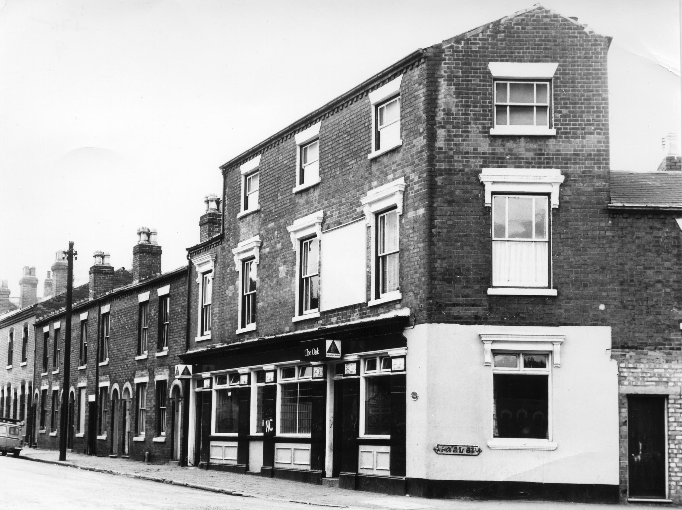 Winson Green 1.19 The Oak Peel St - Lansdowne St 27-6-1972.jpg