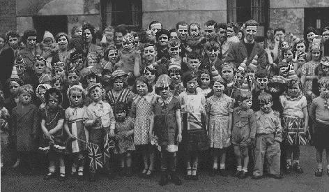 Talbot Street End of war photograph