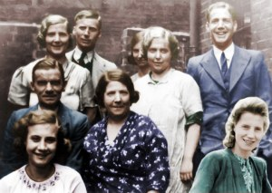 Orton Family group photo taken about 1937 in Camden Drive.