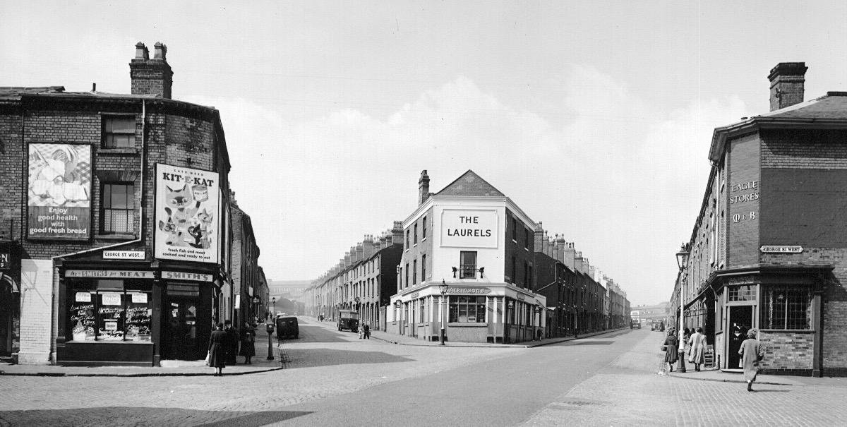 """THE LAURELS"" PUBLIC HOUSE CORNER OF PRESCOTT STREET (left) AND HINGESTON STREET"