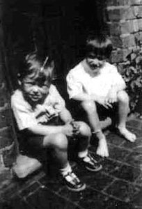 ALLAN WILLIAMS AND KEN GRINNELL ON THE DOOR STEP OF 8/125 HINGESTON STREET