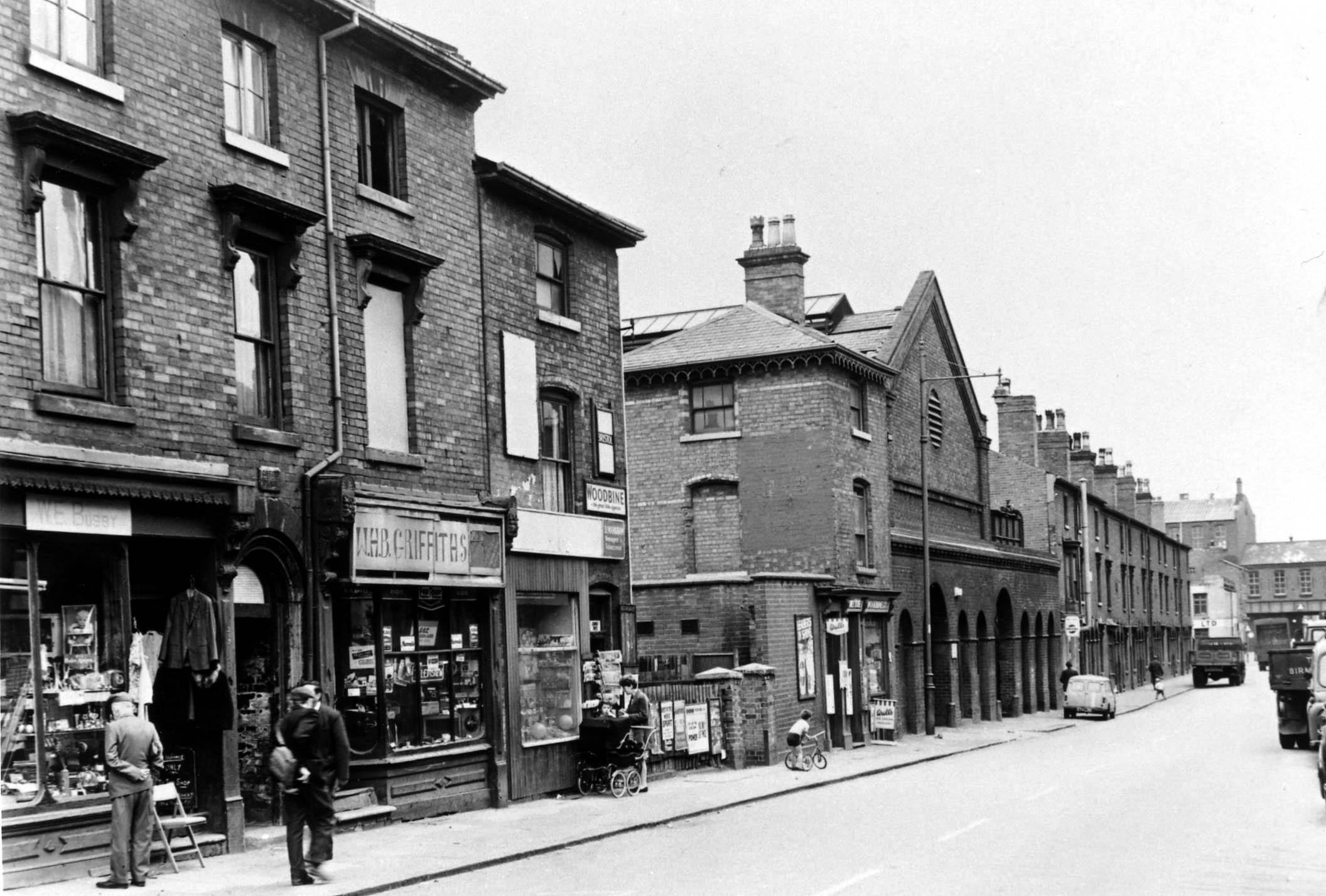 Icknield Street between Hingeston Street and Pescott Street 6-8-1968.jpg
