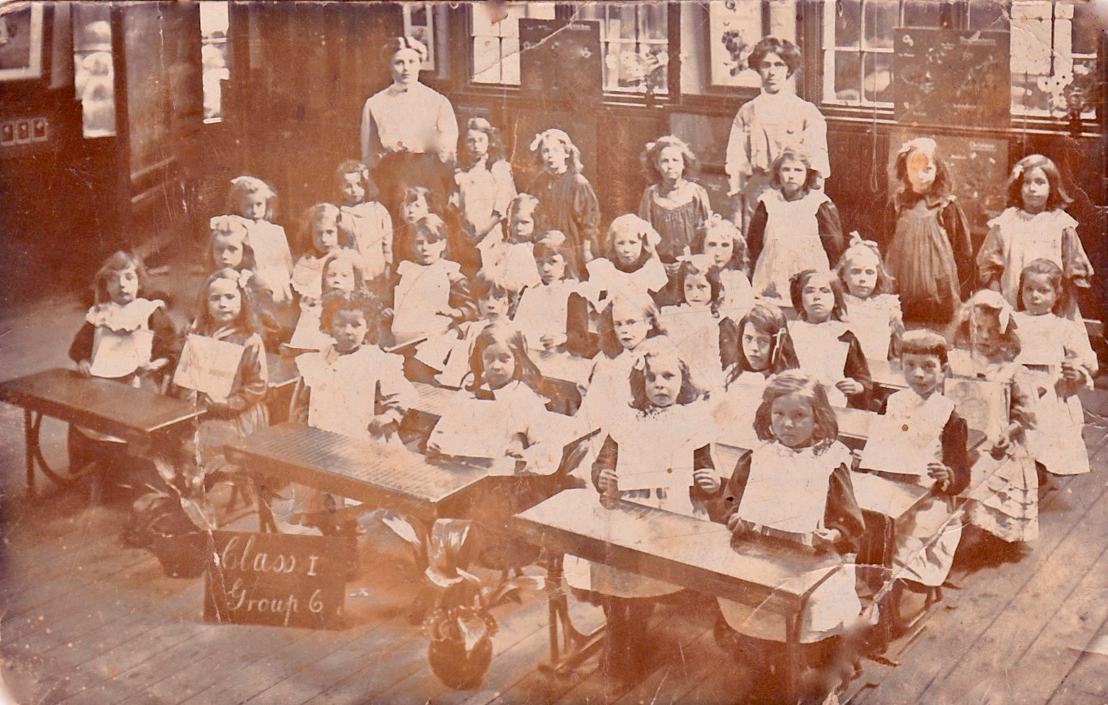 DUDLEY ROAD SCHOOL 1909/10.  Cheryl Smith photo