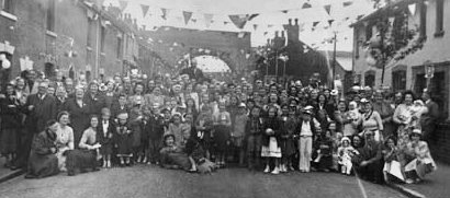 VITTORIA STREET 1953 Coronation day in Vittoria Street. Photo thanks to Eileen Daniels (nee Horton) 18/10/02
