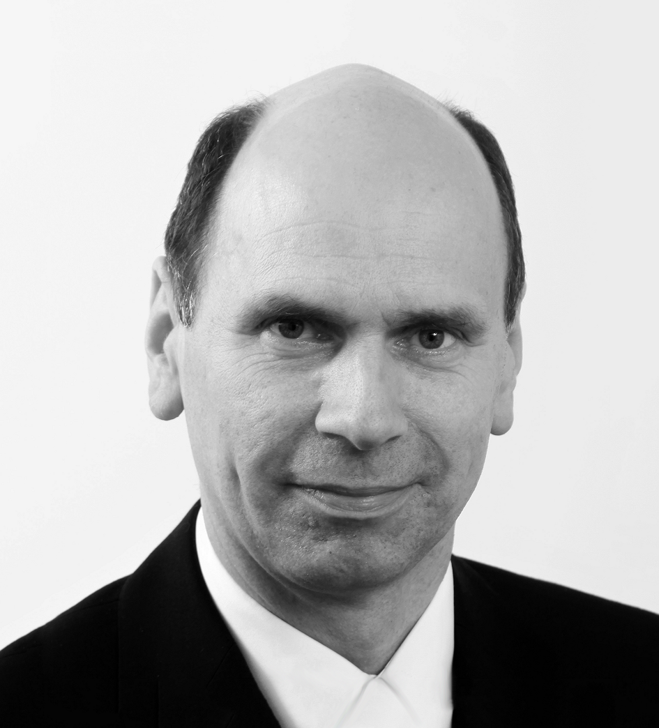Paul Davey, Commercial Director   Paul is a highly experienced, well rounded Managing Director, most recently at 3M. He has an excellent track record of growing and financing technology-based businesses and achieving high returns for shareholders.