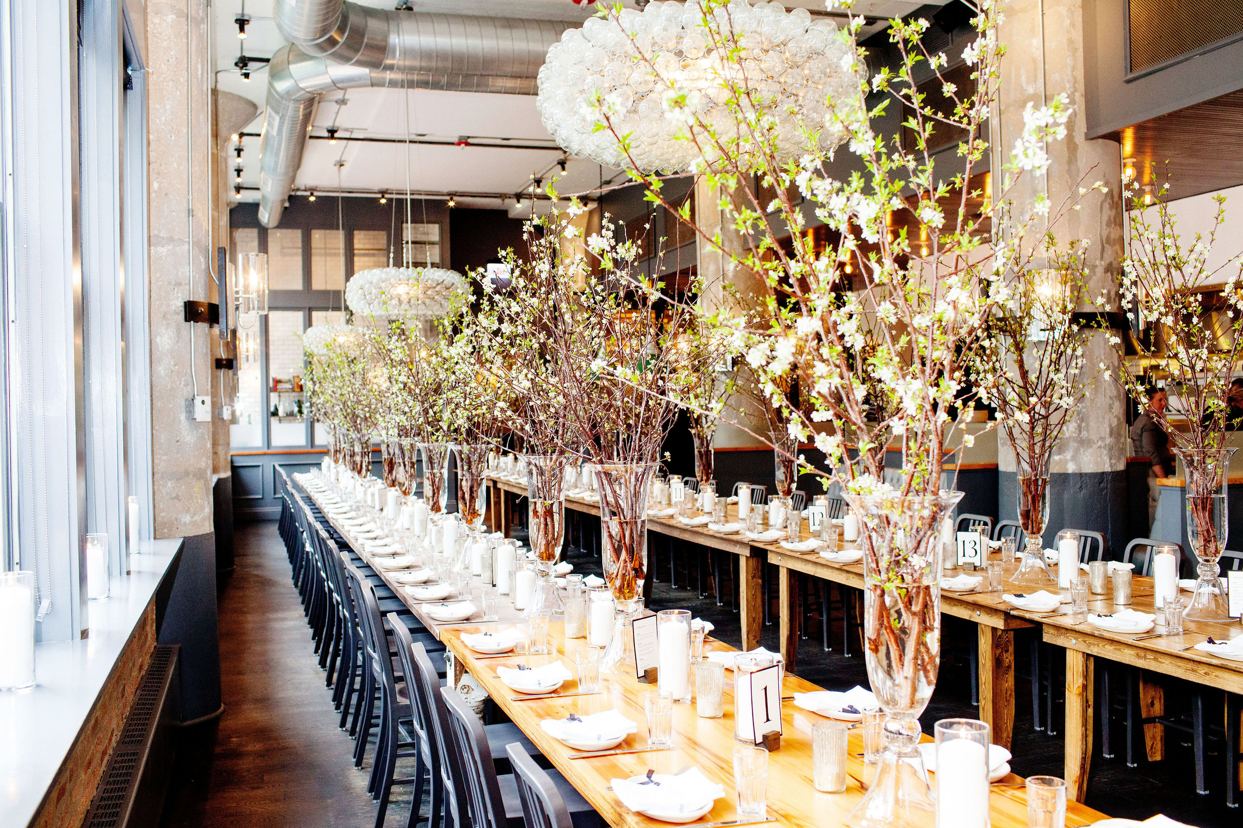 chicago riverfront wedding_simple wedding tablescape