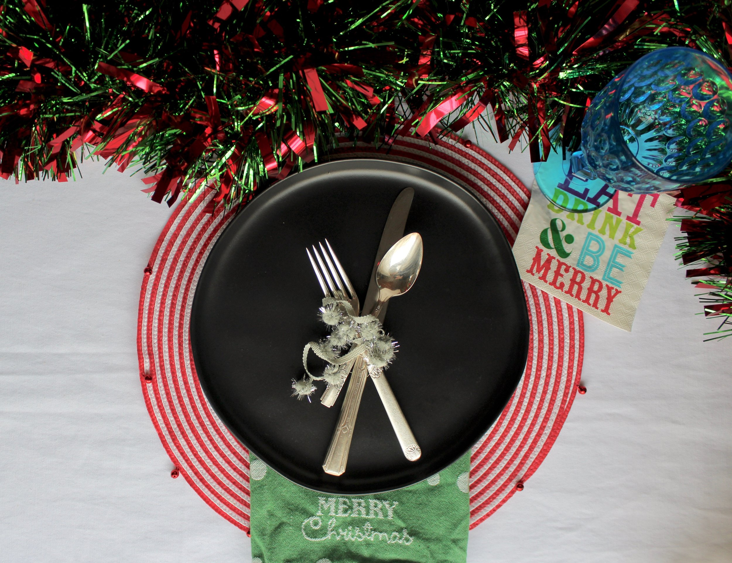 fun and festive Christmas tablesetting