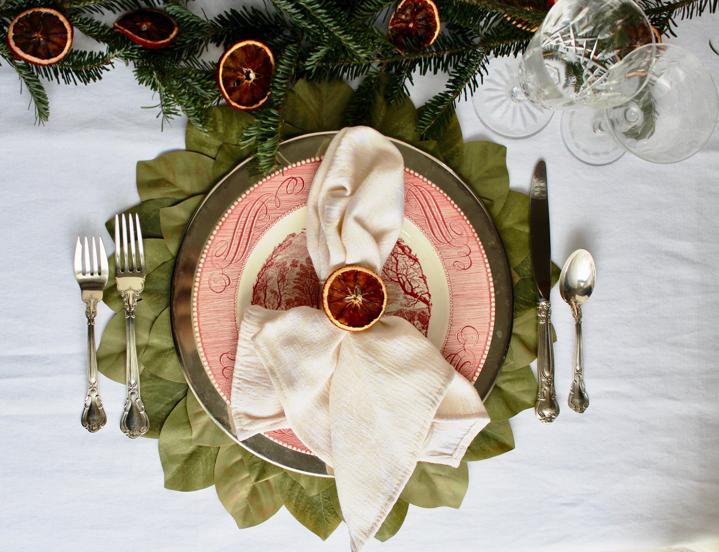 colonial christmas tablesetting