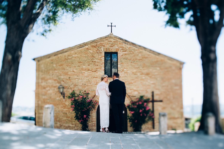 bride-groom-church-montegridolfo.jpg