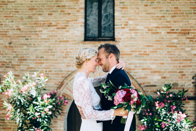 bride-groom-love-montegridolfo.jpg