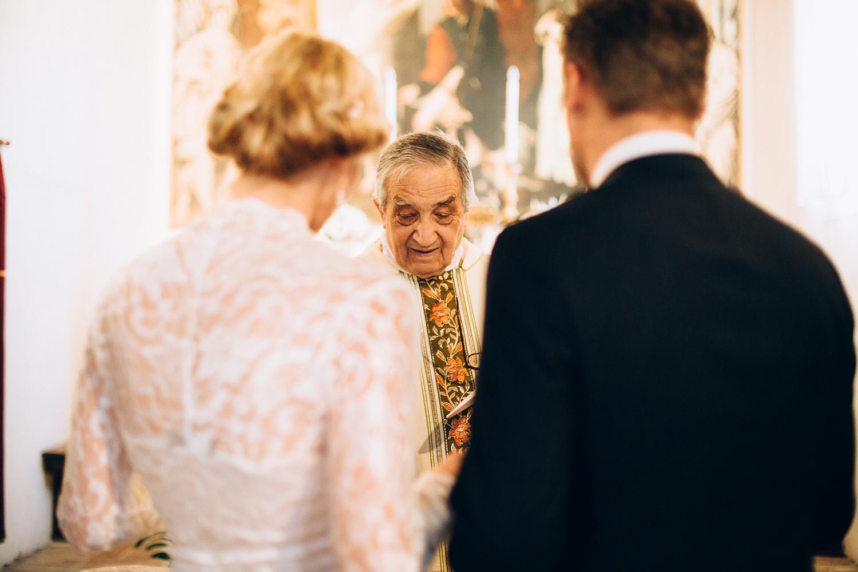 bride-groom-priest-ceremony.jpg