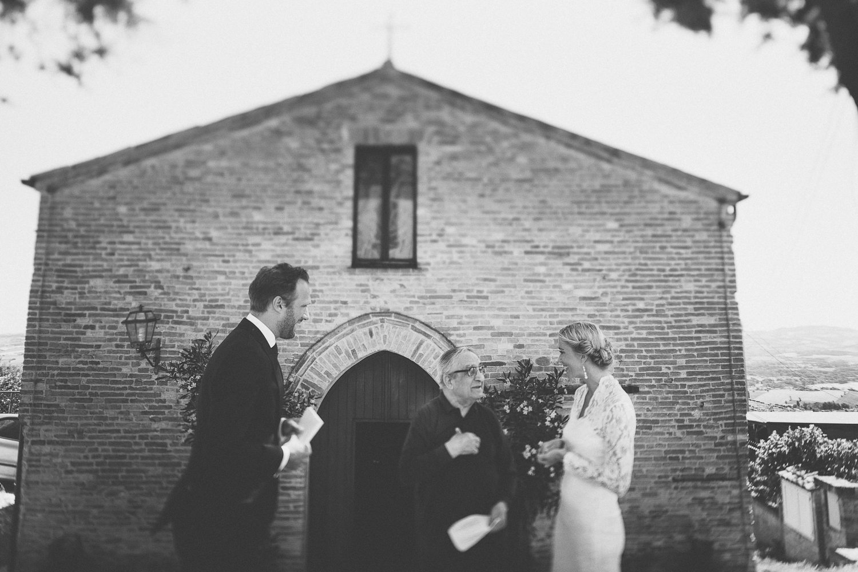 ceremony-montegridolfo.jpg