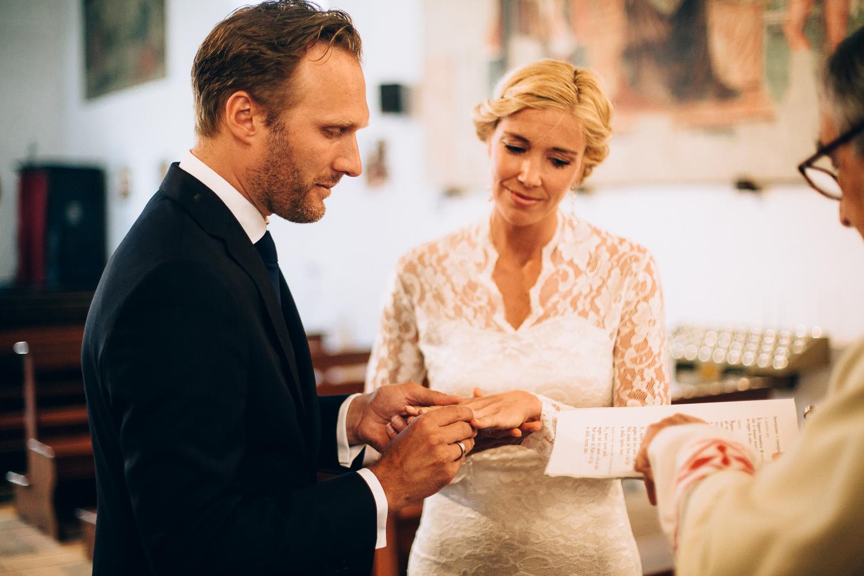 rings-bride-groom.jpg