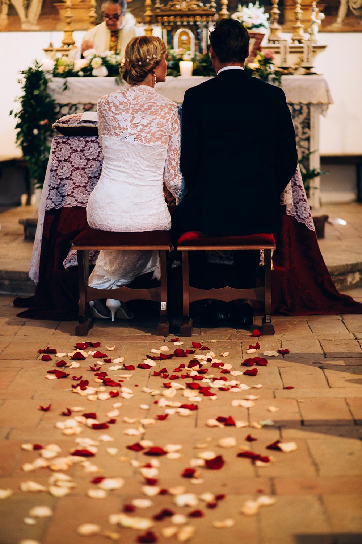 roses-bride-groom-ceremony.jpg