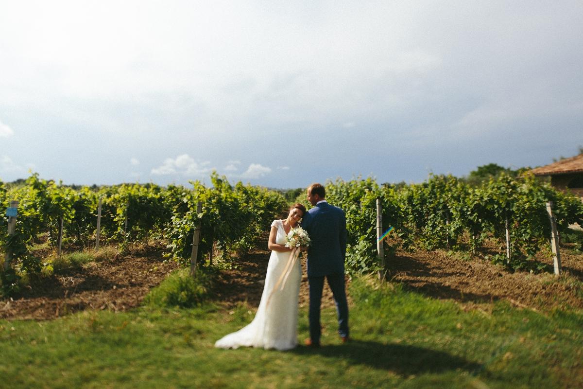 bride-groom-vineyard-montegridolfo.jpg