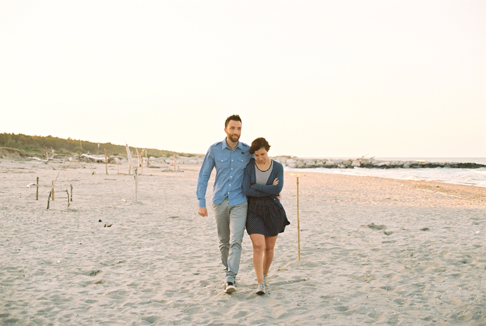 film-ektar-beach-engagement.jpg