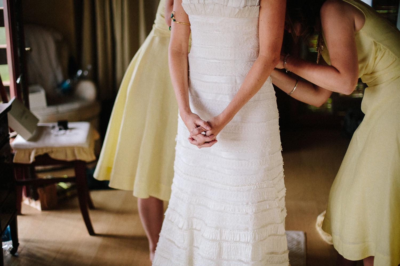 48-bride-getting-ready.jpg