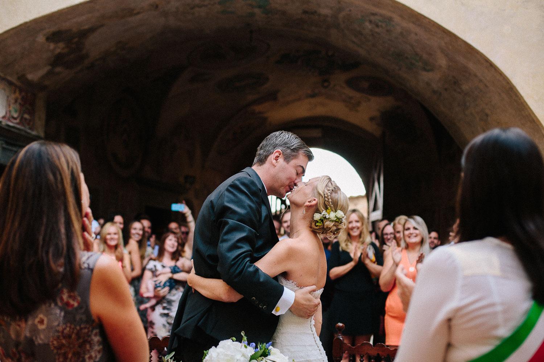 83-bride-and-groom-certaldo.jpg
