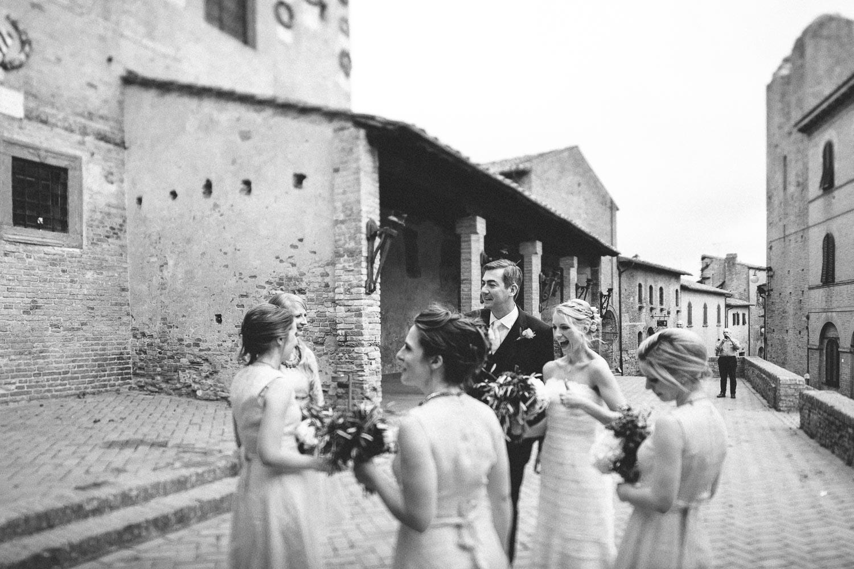 86-happy-bride-in-certaldo-tuscany.jpg