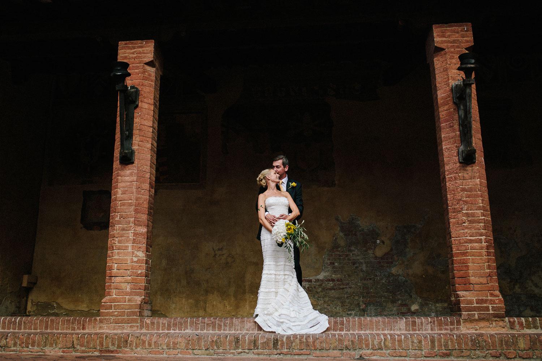 100-certaldo-wedding-tuscany-bride-groom.jpg