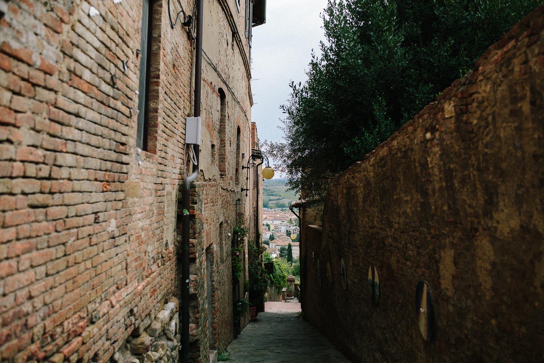 106-tuscany-certaldo-street.jpg