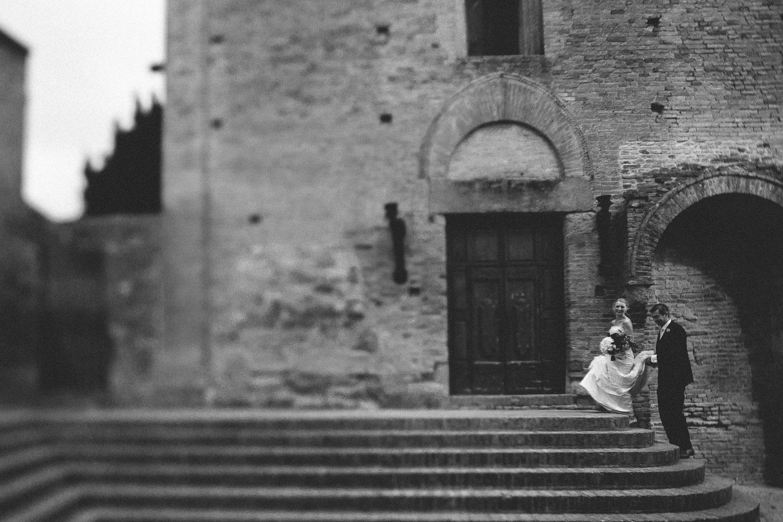 93-bride-groom-certaldo-tuscany.jpg