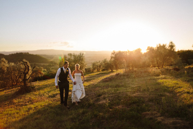 137-bride-groom-sunset-borgo-petrognano.jpg