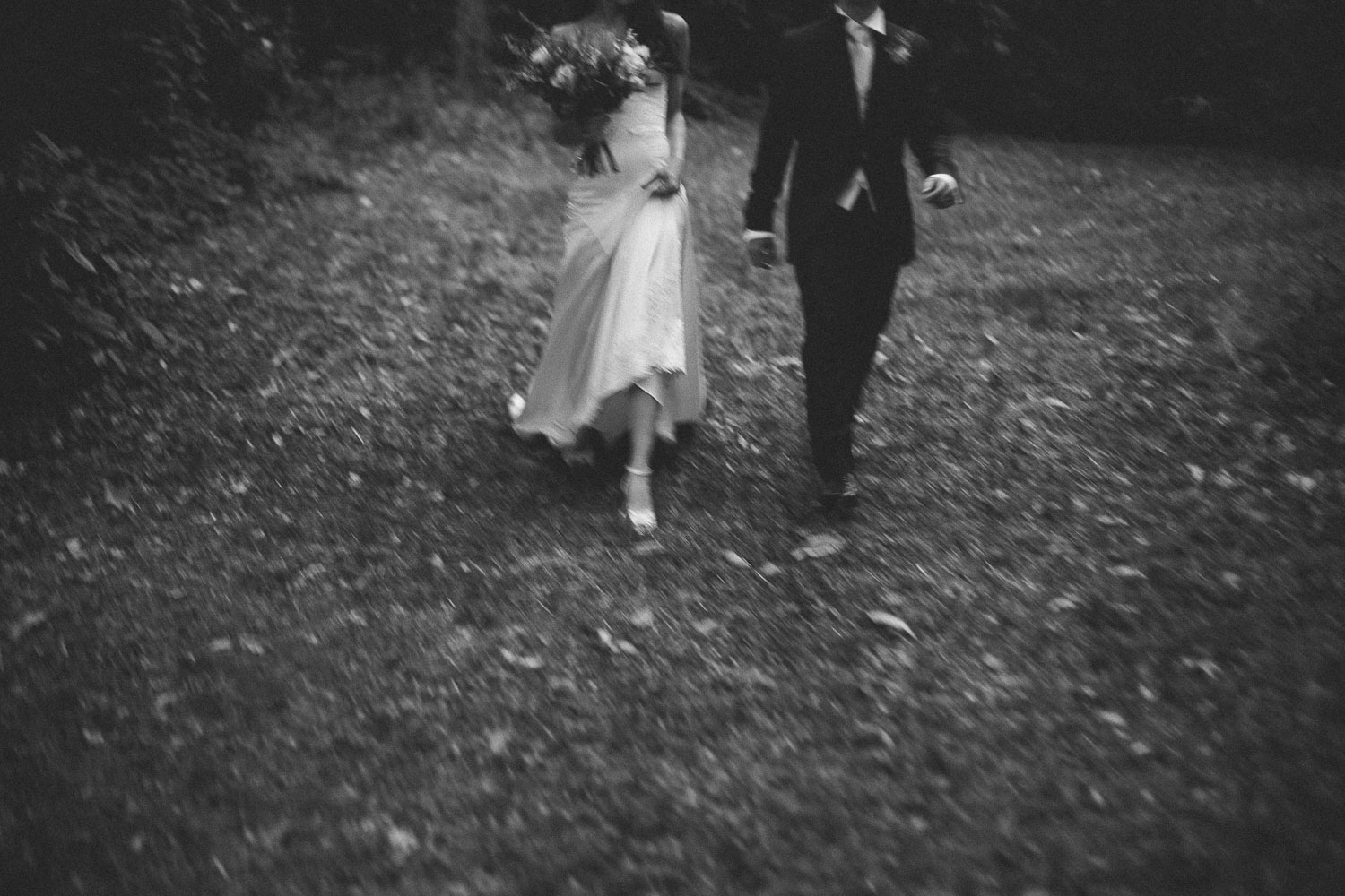 72-bride-groom-walking.jpg