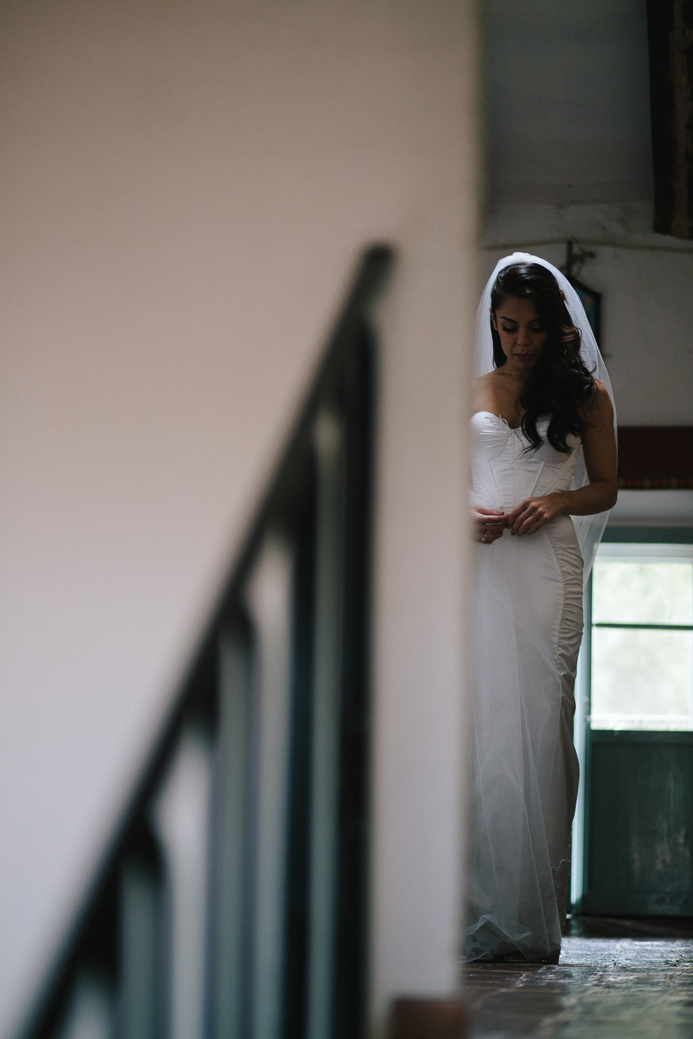 40-bride-waiting.jpg