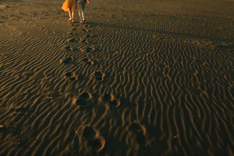engagement bethells beach - new zealand (26).jpg