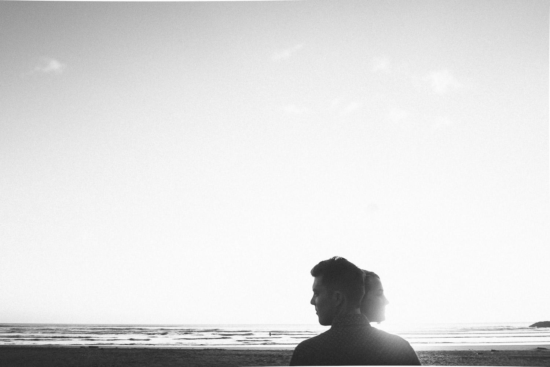 engagement bethells beach - new zealand (30).jpg