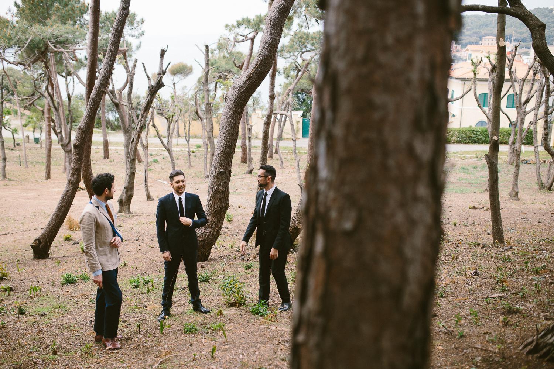 14-groom-waiting-the-bride.jpg