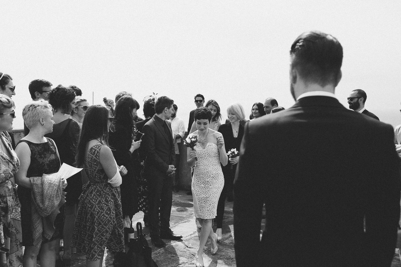 18-bridesmaid-coming.jpg