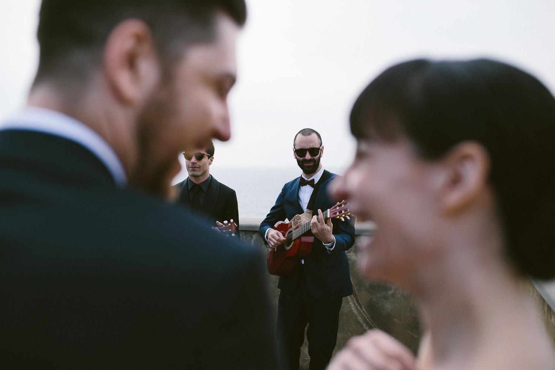 51-bride-groom-friends-singing.jpg