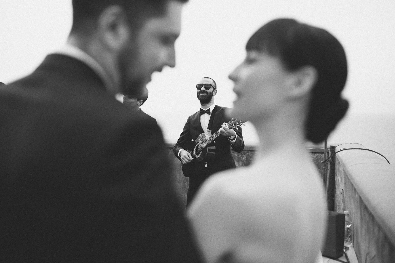 52-bride-groom-friends-singing.jpg