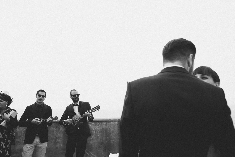 53-bride-groom-frien-singing.jpg