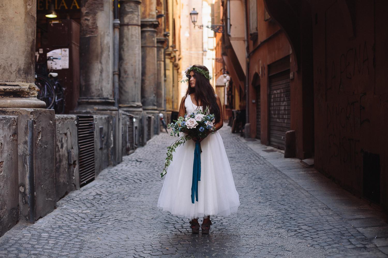 bride-in-bologna (3).jpg