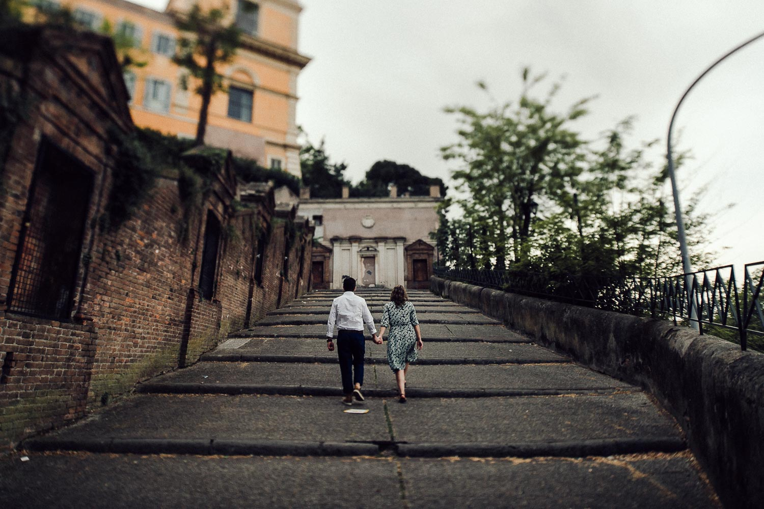 32-couple-in-rome.jpg